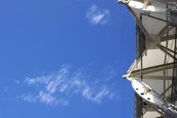 ユアスタ上空の青空と白い雲